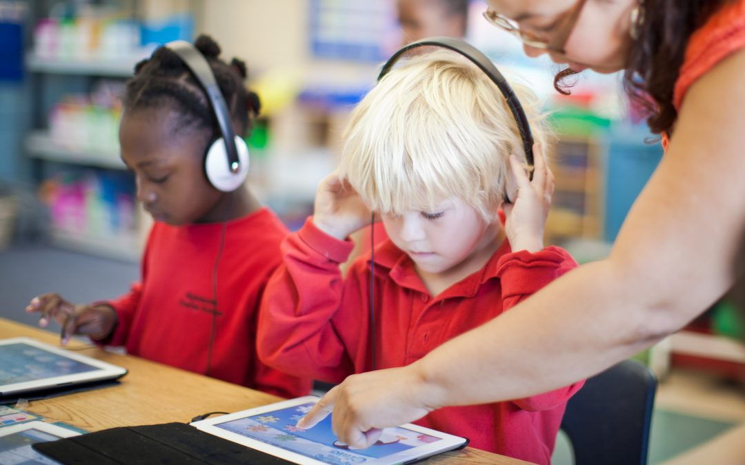 Los Efectos del COVID-19 en la Instrucción Bilingüe dentro del contexto del Aprendizaje Virtual